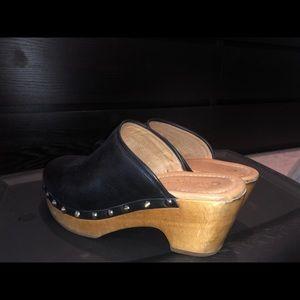 Shoes - Black clogs